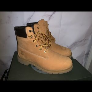 Size US 11 women's Timberland boots